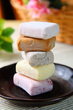 ice cream bars   Taiwanese Dessert 草湖芋仔冰