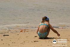 KID PLAY IN CHAI CHET BEACH, KOH CHANG