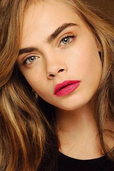Fuller brows are a big beauty trend, they create a slimming look to the face.You can make brows appear thicker by filling them in with a liner and shadow for brows.