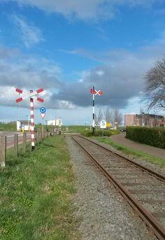 Seinwezen op de #lokaalspoorlijn Medemblik - Hoorn | museumstoomtram.nl #seinen #spoorwegovergang
