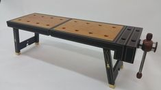 The Woodworking Bench: Things One Must Know - Adams Easy Woodworking Projects Woodworking Tool Kit, Woodworking Bench Plans, Youtube Woodworking, Woodworking For Kids, Easy Woodworking Projects, Woodworking Classes, Woodworking Videos, Teds Woodworking, Portable Workbench