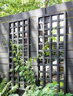 Modern Trellis Design for Beautiful Garden 5 Ways to Add Style With a Garden Trellis Modern Trellis design for beautiful garden. A garden trellis is normally used only for providing a framework on … Trellis Design, Diy Trellis, Garden Trellis, Fence Design, Garden Design, Trellis Ideas, Patio Design, Trellis On Fence, Lattice Ideas