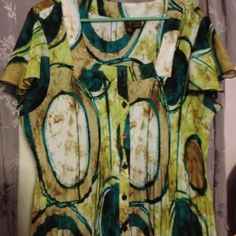 Top Cap sleeve multi colors. Greens teal and Browns. Very comfy. Sere Nade Tops Blouses