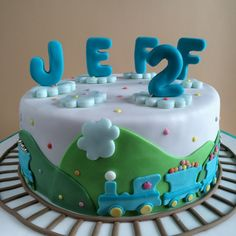 Jeffi`s vegane Kindergeburtstagstorte Vegan Chocolate, Chocolate Cake, Food And Drink, Birthday Cake, Cream, Baking, Party, Desserts, Recipes
