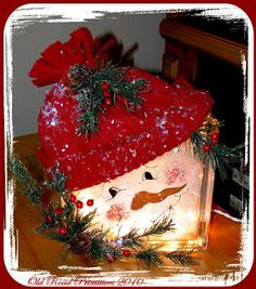 Make a lighted Snowman glass block with this tutorial. This would make a great decoration for your home or a Holiday gift! I have to remember to make this, because it is just so adorable! Christmas Snowman, Winter Christmas, Christmas Holidays, Christmas Decorations, Christmas Ornaments, Christmas Glass Blocks, Christmas Centerpieces, Primitive Christmas, Christmas Signs