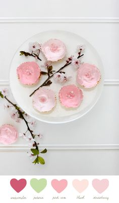 a beautiful way to serve cupcakes.....add some natural flowers