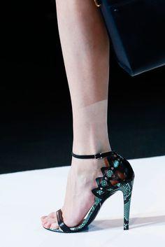 Giorgio Armani Spring 2013 Ready-to-Wear Fashion Show Details