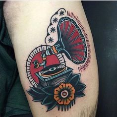 Tattoos 3d, Tattoo Henna, Dream Tattoos, Music Tattoos, Future Tattoos, Sleeve Tattoos, Tattoos For Guys, Traditional Tattoo Music, Traditional Tattoo Old School