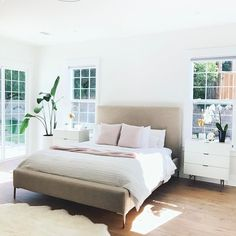 Beds from Covet House offers a curated selection of design pieces, in a wide range of styles. Modern Master Bedroom, Master Bedroom Design, Home Bedroom, Bedroom Decor, Bedroom Ideas, Home Design, Home Interior, Interior Design, Bedroom Styles