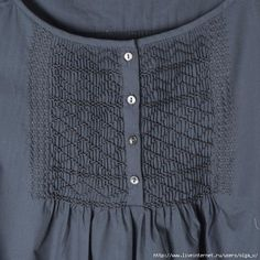 Modern use of smocking. A simple diamond design could also be used on cuffs. Smocking Tutorial, Smocking Patterns, Blouse Patterns, Clothing Patterns, Punto Smok, Cotton Nighties, Smocked Baby Dresses, Baby Dress Design, Frock For Women