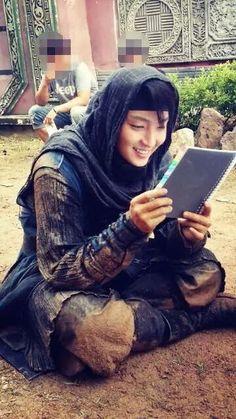 Lee Jun Ki in Joseon Gunman.