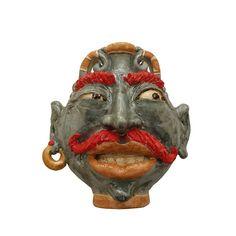 Mascherone barocco siciliano in ceramica realizzato dall'artista Salvatore Guzzardi di Caltagirone. Disponibile anche su www.ceramichesiciliane.online