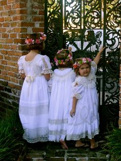 Gorgeous white dresses, vintage style, for the little girls.