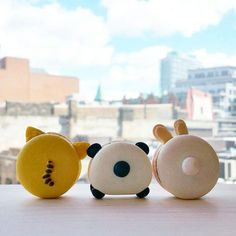 Melly Eats World creates adorable animal macarons that are too cute to eat. But it's hard to turn down a macaron, even when it looks like a panda. Kawaii Cookies, Cute Cookies, Cute Baking, Macaron Cookies, French Macaroons, Macaroon Recipes, French Pastries, Italian Pastries, Köstliche Desserts