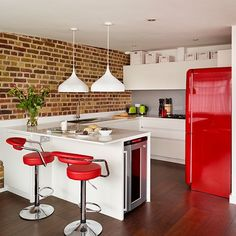 Modern open-plan red and white kitchen | Kitchen decorating | Beautiful Kitchens | Housetohome.co.uk
