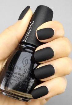 15 Cool Black Nail Design Ideas 2018 #blacknail #black #nail #nails #design #fashion #makeup