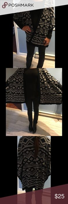 Kenar Sweater Poncho, brand new!' Gorgeous and so versatile !!! Brand new! Kenar Sweaters Shrugs & Ponchos