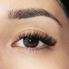Volume eyelash extensions is newest rage in mink lash extensions that you can get here or at your location, just beautiful Makeup For Black Skin, Glossy Makeup, Eye Makeup, Hair Makeup, Short Eyelashes, Long Lashes, Perfect Eyelashes, Selfies, Russian Volume Lashes