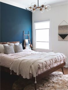 home decor bedroom wall decor Blue Accent Walls, Accent Wall Bedroom, Master Bedroom Design, Home Decor Bedroom, Bedroom Ideas, Master Suite, Bedroom Artwork, Bedroom Apartment, Home Interior
