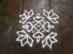 Rangoli or Kolam: [S.No:109] 18 pulli 2 varai ner pulli 2 varisai Kolam