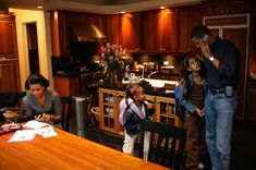 Random old pic of the young Obama's at home in Chicago.