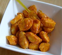 Guiltless Buffalo Chicken Bites....if there is one way to my heart it is through buffalo chicken ANYTHING! I can't wait to try this!