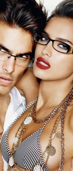 Guess Accesories S/S 2009 : Jon Kortajarena and Irina Shayk Guess Ads, Jon Kortajarena, Ray Ban Sunglasses Sale, Guess Girl, Fashion Beauty, Womens Fashion, Gucci Fashion, Fashion Art, Moda Femenina