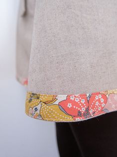 cute idea to add piping details! rp: Pretty Liberty bias binding used to hem this skirt Sewing Class, Sewing Studio, Sewing Basics, Sewing Hacks, Sewing Projects, Liberty Of London Fabric, Liberty Fabric, Fall Sewing, Sewing For Kids