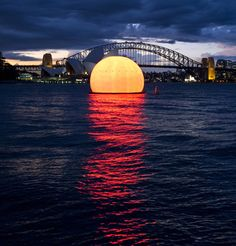Public art and installations - Street art never miss another sunset with this inflatable sunset!