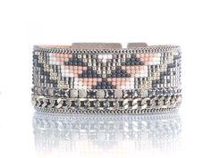 Brassard de Tribal bracelet - bracelet de beadloom aztèque bracelet - bracelet manchette géométrique - bijoux géométriques - bracelet Loom tissé - - déclaration par OOAKjewelz sur Etsy https://www.etsy.com/fr/listing/271989312/brassard-de-tribal-bracelet-bracelet-de