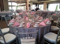 Pink napkin & Silver Tablecloth combo (minus the chiavari chairs)