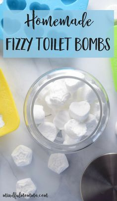 Learn how homemade fizzy toilet bombs can help keep your toilet fresh and deodorized using only 4 low-cost, natural ingredients. Natural Cleaning Recipes, Homemade Cleaning Products, Deep Cleaning Tips, House Cleaning Tips, Green Cleaning, Natural Cleaning Products, Cleaning Hacks, Toilet Cleaning Tips, Cleaning Solutions