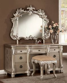 Bellevue 3-Pc Vanity Set for dream bedroom