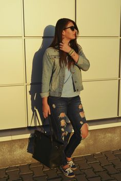 Into the blue Hello Beautiful, Beautiful People, Sofa Styling, Blue Fashion, Outfit Posts, My Best Friend, Military Jacket, Comfy, Blog