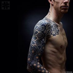 Nazareno Tubaro: Tattooed on @vueloabierto. Pic: Juan Salvarredy. www.nazareno-tubaro.com