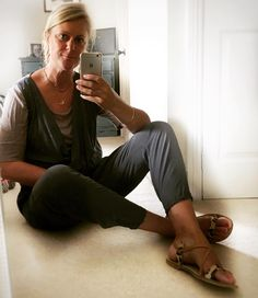 Just got back from a morning's Wardrobe sorting for a client whose wardrobe needs span from doing TV interviews in fields to having meetings in the Houses of Parliament... so quite a broad mix of clothes needed ! A brilliant morning but knacked now so all I feel like wearing is a jumpsuit... layered over a simple tee... literally could be wearing my pj's... xxx