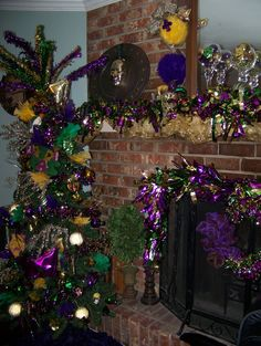 A great idea for those leftover MardiGras beads #1: 542dba3d9f1c8b8f5c2feb71f a mardi gras decorations mardi gras party