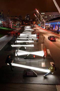 Impulse – Des balançoires lumineuses et musicales dans les rues de Montréal
