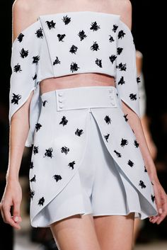 whore-for-couture:  mulberry-cookies:  Balenciaga Spring 2014 (details)  Haute Couture blog :)