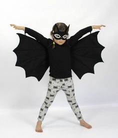 Easy Dress Up Clothes for Kids to Wear All Year Round Dress up clothes for kids: Turn your little one into a Halloween bat. Comes with wings and eye mask.Dress up clothes for kids: Turn your little one into a Halloween bat. Comes with wings and eye mask. Dress Up Outfits, Dress Up Costumes, Diy Costumes, Kids Outfits, Dress Up Clothes, Costume Ideas, Kids Bat Costume, Halloween Costumes For Kids, Children Costumes