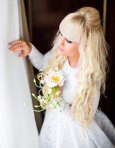 Заколка для волос белая роза, холодный фарфор, заколка для волос цветок яблони, свадебный аксессуар, сважебное украшение