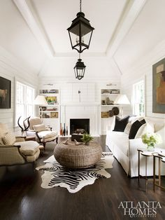 1930's, 3,000 sq ft Nantucket style home (Interior design: homeowner Meg Harrington of Huff Harrington Home. Architect: Linda MacArthur Architect. Photos: Erica George Dines)