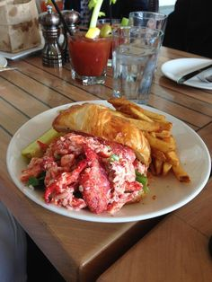 """""""Solid lobster rolls, tons of seating!"""" -Amber Vittoria"""