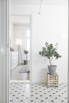 The One Interior Design Trend I've Been Dying To Try - http://www.stylemepretty.com/living/2016/02/11/spotted-the-dreamiest-patterned-tile-rooms-weve-ever-seen/