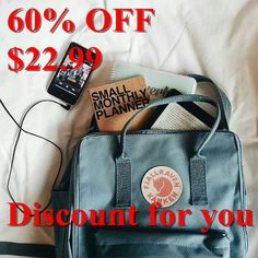 Buy outdoor pants, parkas, jackets, backpacks and Kanken gear in the official Fjallraven US store. Mochila Kanken, Books And Tea, Outfits Teenager Mädchen, Fjallraven, Style Feminin, What In My Bag, Vintage Fashion Photography, Travel Backpack, Diy Tumblr