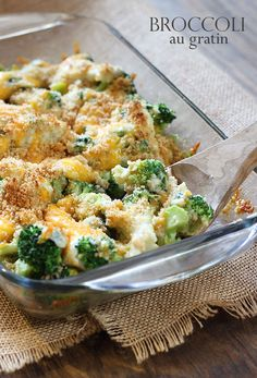 Broccoli Au Gratin - a creamy cheesy crowd-pleasing broccoli side dish! Side Dish Recipes, Vegetable Recipes, Broccoli Gratin, Broccoli Casserole, Broccoli Stalk, Frozen Broccoli, Fresh Broccoli, Broccoli Florets, Casserole Recipes