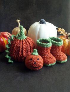 Crochet pumpkin set pumpkin hat  pumpkin booties by Crochetlovebug, $25.00