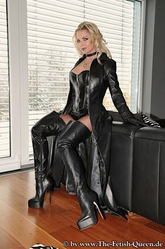 Long Leather Coat, Leather Mini Dress, Leather Dresses, Crazy Outfits, Sexy Outfits, Thigh High Boots Heels, Leather Lingerie, Dress Attire, Latex Dress
