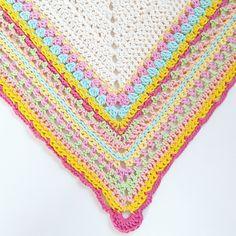 Up for sale; Crochet pattern Spring Shawl - English - also available in Dutch - haak patroon Voorjaars shawl - ook in het Nederlands #haken #crochet #shawl #sjaal #omslagdoek #pattern #patroon #spring http://etsy.me/2ySyLNd