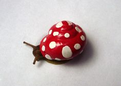 They Paint These Snails For Fun, But The Real Reason Is So Much More